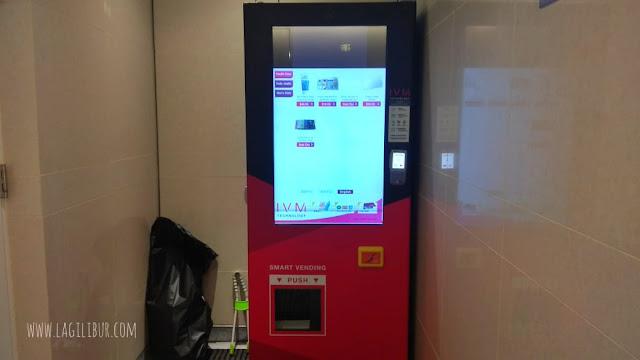 Fasilitas Vending Mechine Shower Room Bandara Hongkong