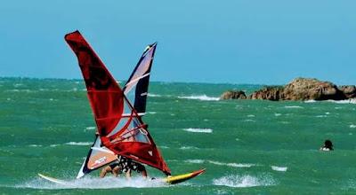 Windsurfing en Mallorca uno de los deportes más realizados en el Mediterráneo
