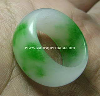 Cincin Batu Giok Jadeite Jade