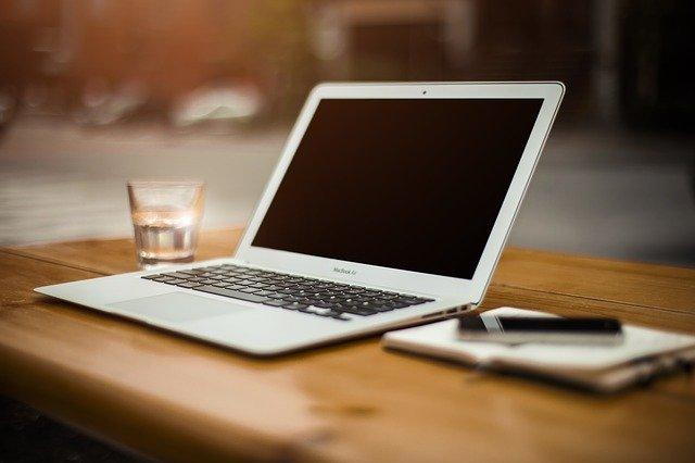 Inilah komponen penyusun laptop dan nama-nama komponen yang ada pada laptop beserta fungsinya