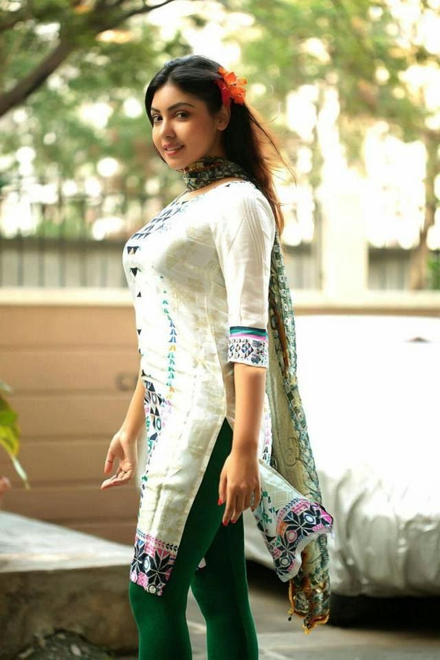 Indian Girl Komal Jha Churidar Photoshoot  Connecting Friends-2567