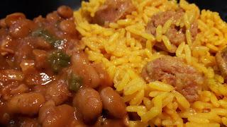 Puertorikanisches Nationalgericht: Reis mit Longaniza