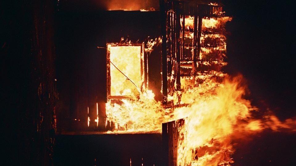 Sicarios ejecutan a 3 y queman casa en Guadalupe y Calvo, Chihuahua