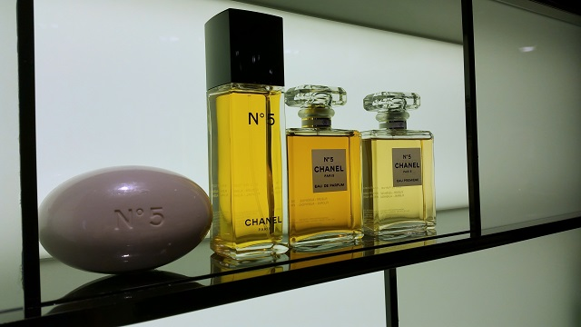 chanel beauty boutique firenze, veronique tres jolie, chanel n 5