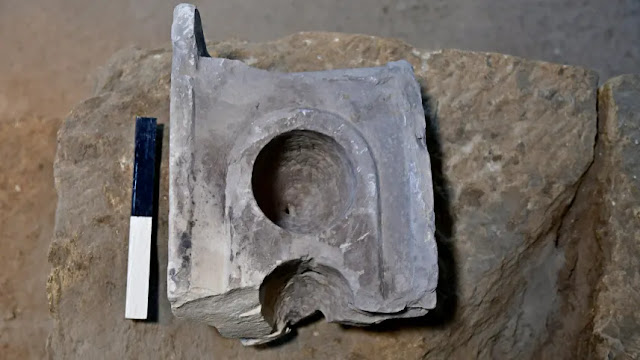 2000-year-old measuring table-top discovered in Jerusalem