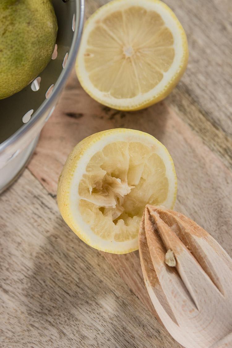 Exprimidor de madera para cítricos