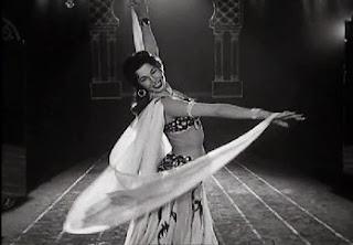 disociando infinitos, samia gamal, danza oriental con velo