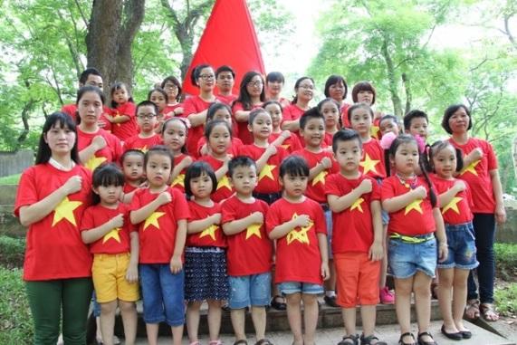 Tại sao nếu chọn áo đồng phục cờ đỏ sao vàng