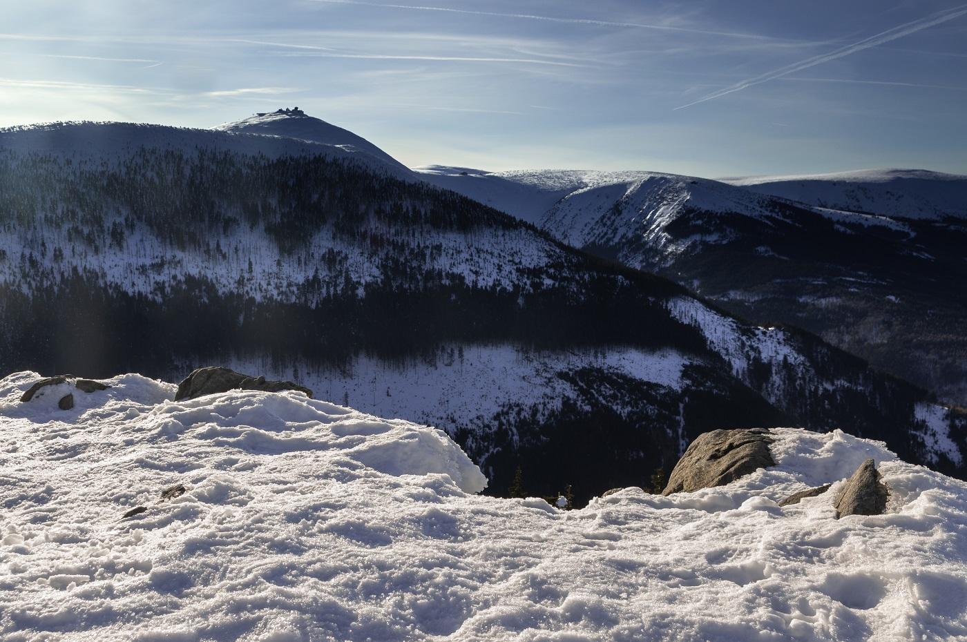 Zimowe Karkonosze i Śnieżka
