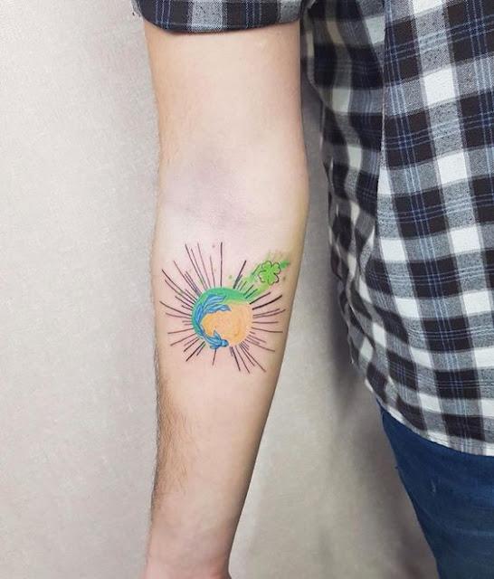 Tatuagens femininas em aquarela