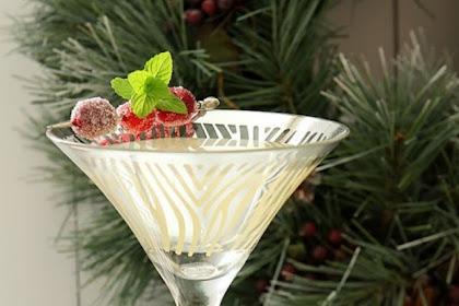 Winter White Cosmopolitan #christmas #drink