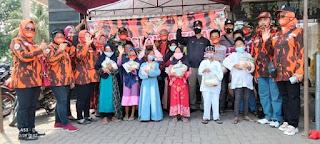 Pemuda Pancasila Dan DPC Srikandi Bagikan 1000 Masker dan Sembako
