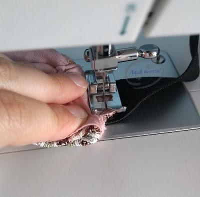 za luźne spodnie w pasie jak dopasować z pomocą gumy DIY - Adzik tworzy