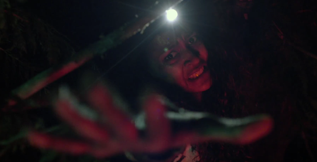 "Trailer do terror ""The Woods"" promete um filme arrepiante e intenso"