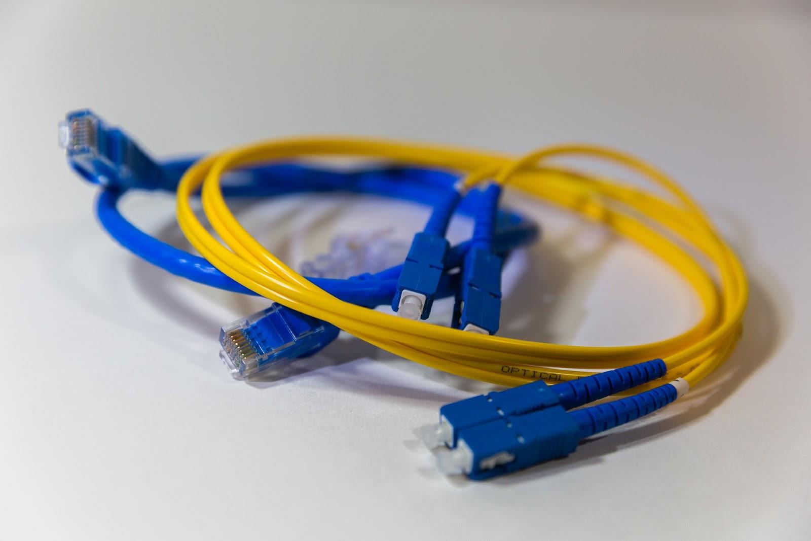 materi fiber optic