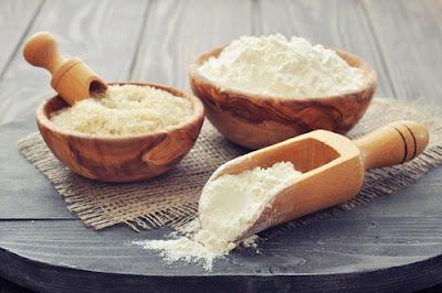 La farine de riz et des oeufs