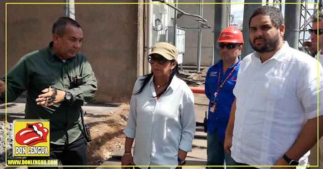 Delcy y Nicolasito llegan con cajas de Teipe Cobra para arreglar cables del Guri