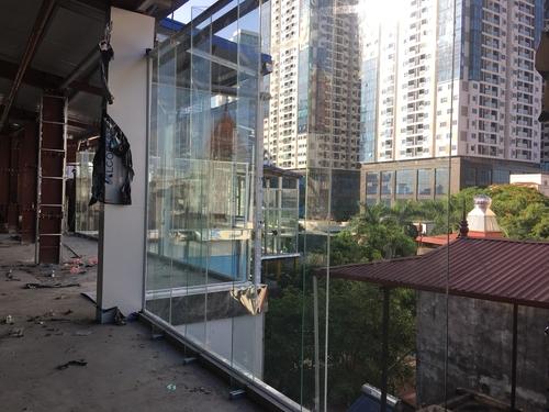 Cửa kính cường lực 1 cánh giải pháp hữu hiệu dành cho công trình nhỏ hẹp