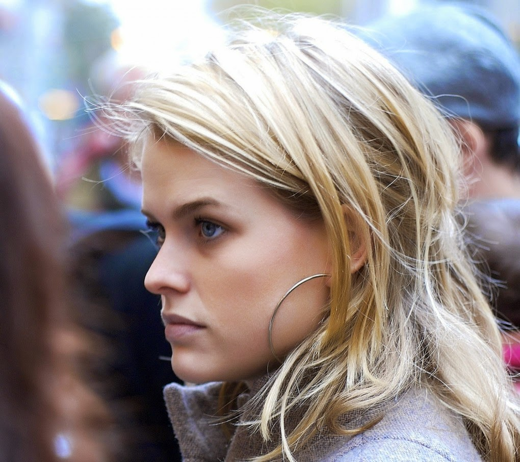ALL STAR HD WALLPAPERS DOWNLOAD: Alice Eve HD Wallpapers