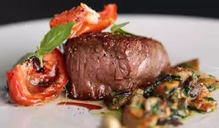 Guerison service dish - Entrecote Aux Champignons