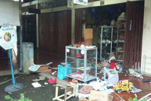 Continúan saqueos y quemas de bienes públicos en Nicaragua