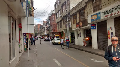 Entering Santandercito on Carrera 16 just off Calle 183 in the north of Bogotá.