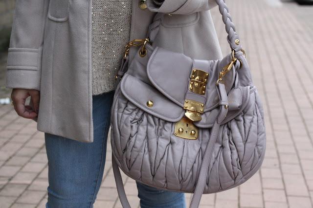 949ddb6ea5c5 free shop   Shopping outfit with Miu Miu bag