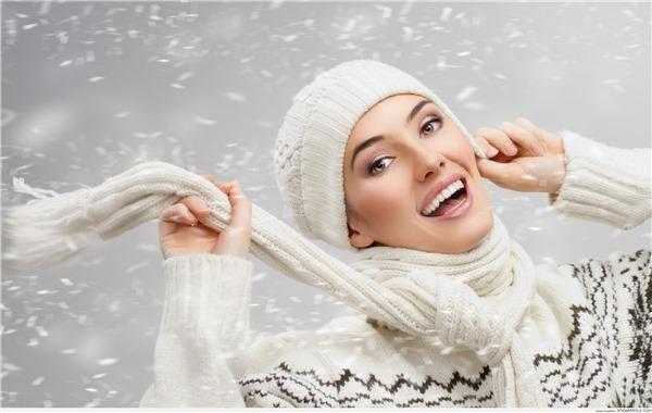 """Tips """"biến hình"""" cho răng sáng bóng nhanh, rẻ, tiện lợi"""