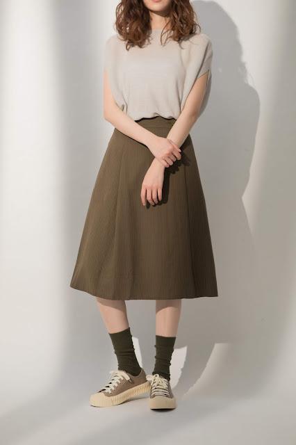 樹上的柴郡貓隱形條紋A字裙-海松綠模特兒實穿