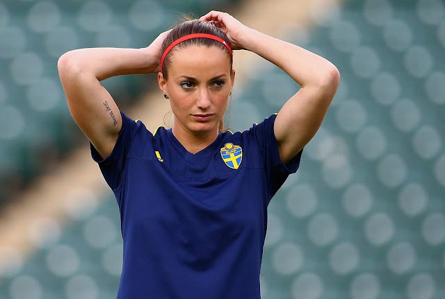 Sexy Women Footballers - Kosovare Asllani