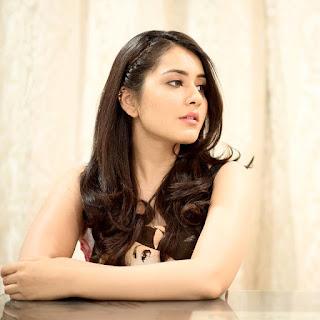 Rashi Khanna Beautiful Face Photos