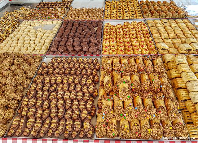Doces típicos de Malta no mercado de Marsaxlokk