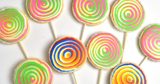 Rainbow Lollipop Cookies