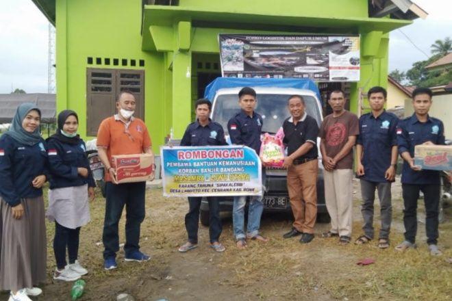 Keren, Karang Taruna Sipakalebbi Bawa Bantuan Untuk Korban Banjir Bandang di Masamba