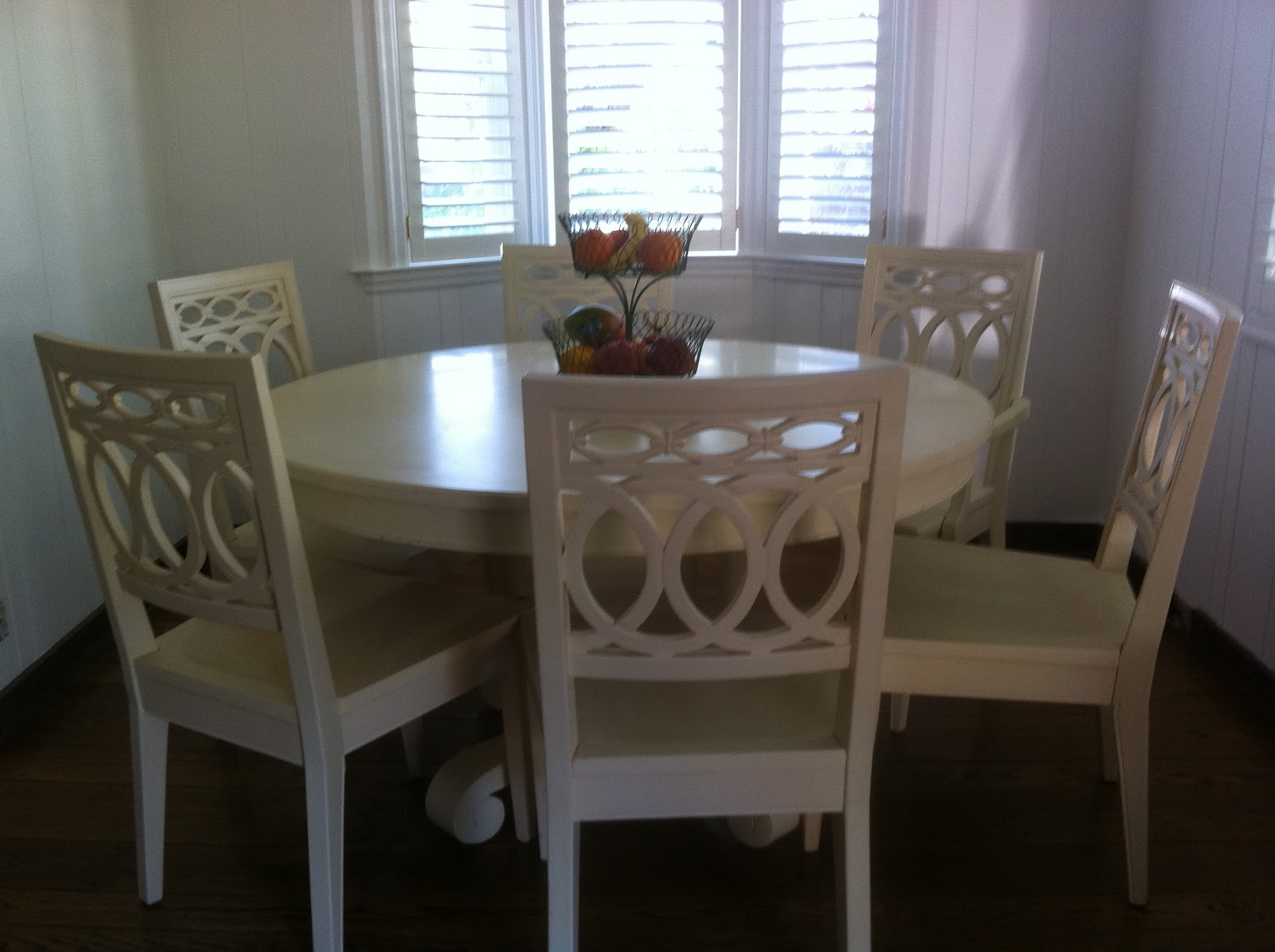 Artsy Annie: Our New Table And Chairs For The Breakfast Nook