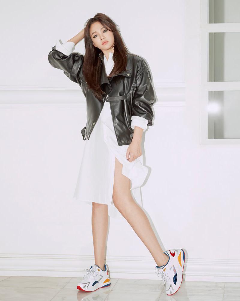 cewek manis dan seksi paha mulus dan hot Song Hye-kyo