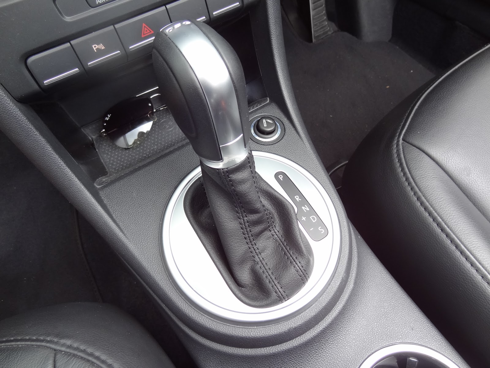 """The DSG (Direct Shift Gearbox) allows the driver to switch between  automatic and manual transmission. By pushing the gear stick to the left at  the """"D"""" ..."""