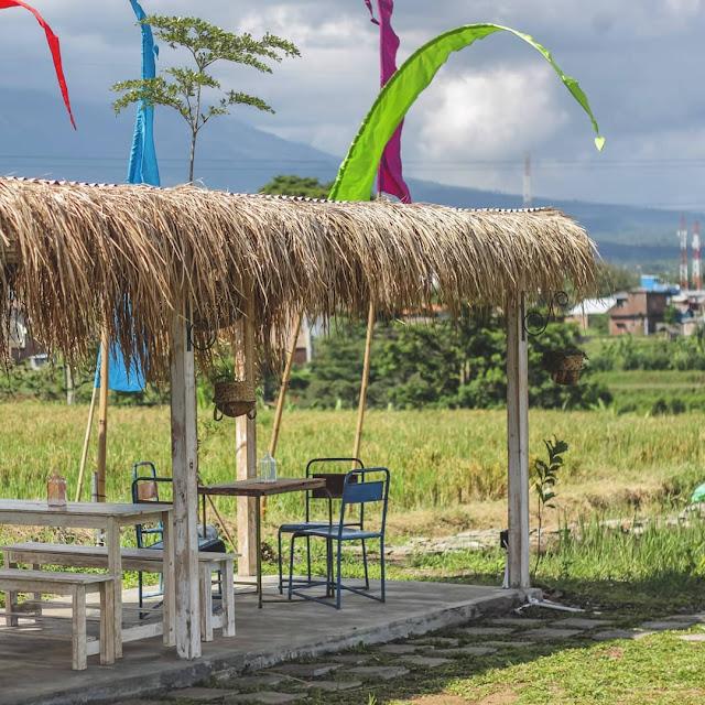 Cafe Sawah di Malang