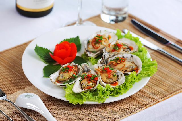 What food to try in Halong Bay?