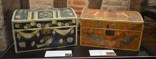 Malles peintes normandes Rouen