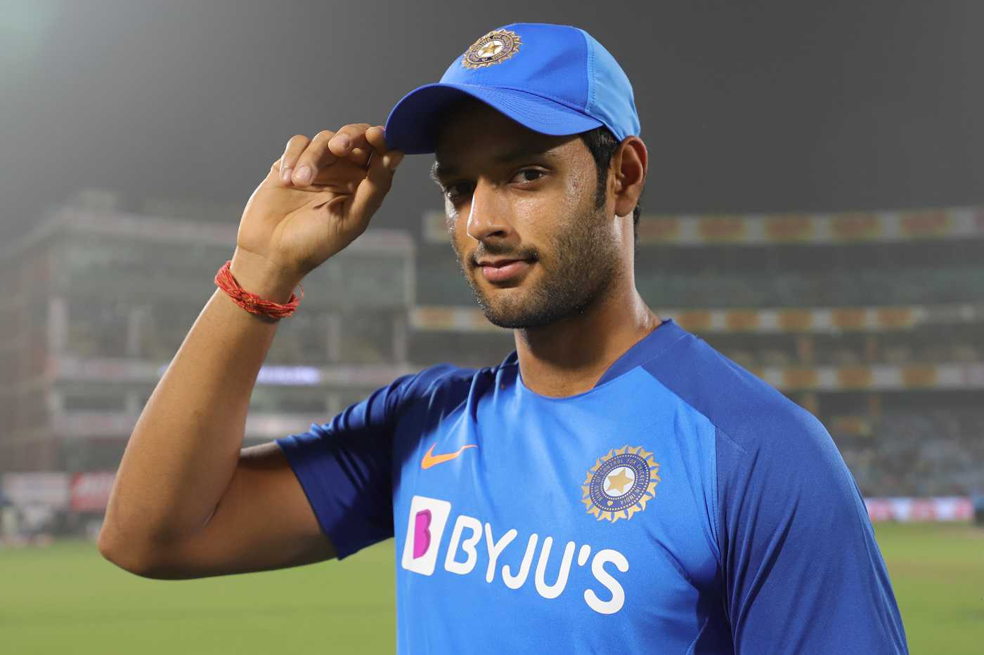 Find out how many billionaire batsman Shivam Dubey gets paid every year by the Indian team