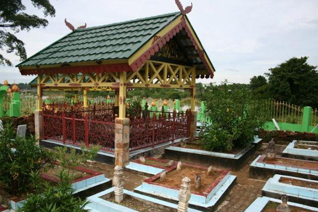 Makam Raden Muhammad Thahir (Raden Matthaher)