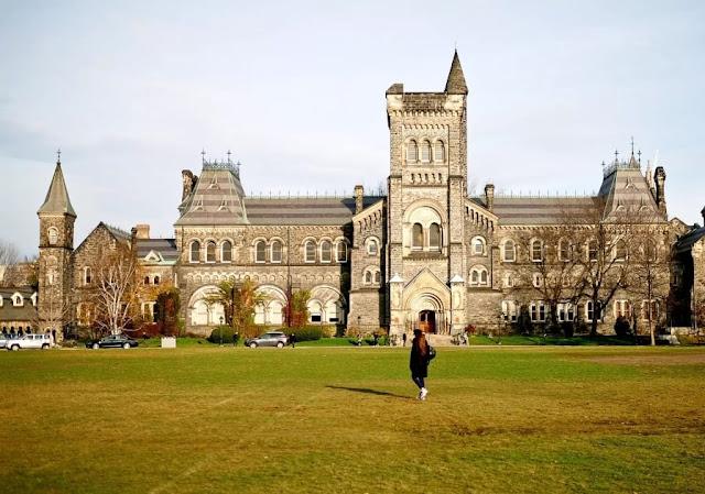 منحة الرئيس الدولية للتميز لدراسة البكالوريوس في جامعة تورنتو في كندا