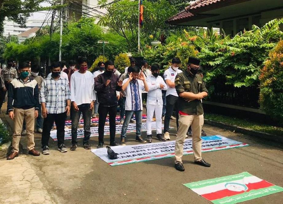 Demo Kedubes Armenia, OIC Youth Indonesia Sholat Gaib Untuk Para Syuhada