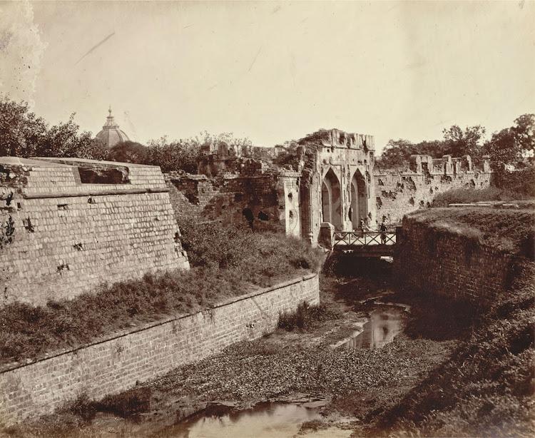 Kashmiri (Cashmere) Gate, Delhi - 1860