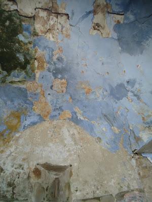 restos policromía IGLESIA DE SAN PELAYO Camino del Salvador
