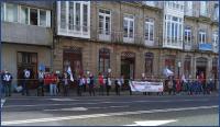 Concentración na oficina de Senra en Compostela. Imaxe: CIGBBVA (cc) BY-NC-SA