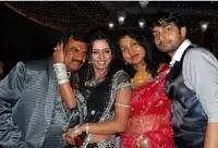 पारुल चौहान अपने माता पिता और भाई के साथ