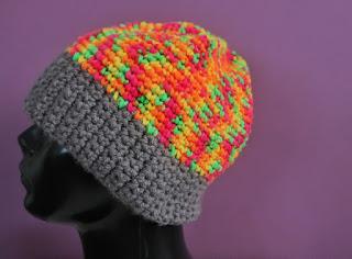 kolorowa szydełkowa czapka zimowa