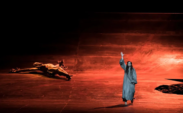 Verdi: La forza del destino - Elena Stikhina - Opera National de Paris (Photo Julien Benhamou / OnP)